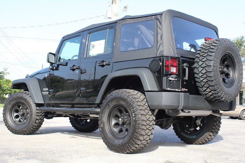 1279431-FORTEC-Jeep-Wrangler-JK-Unlimited-Rear