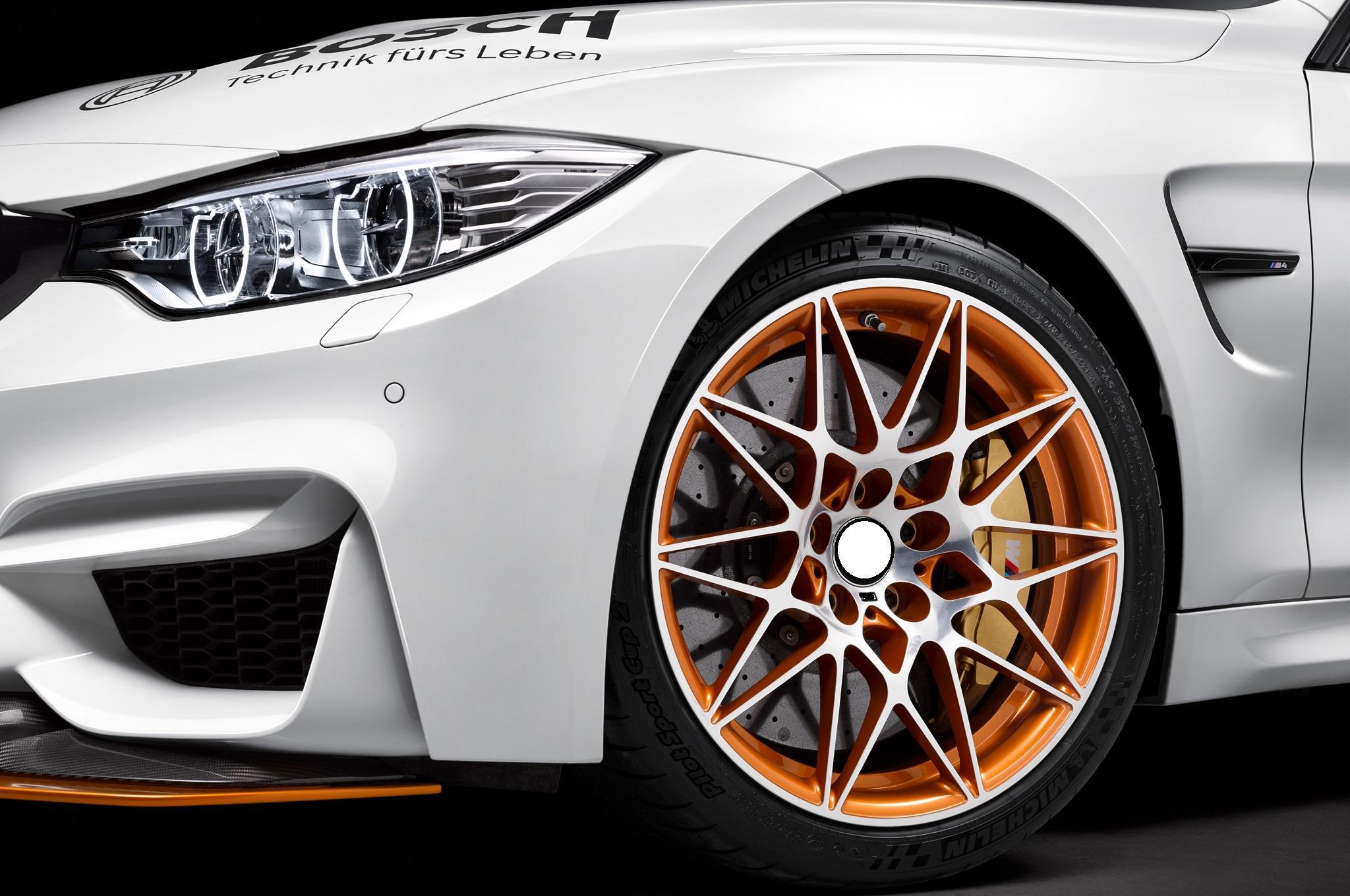 BMW-M4-GTS-DTM-Safety-Car-wheels