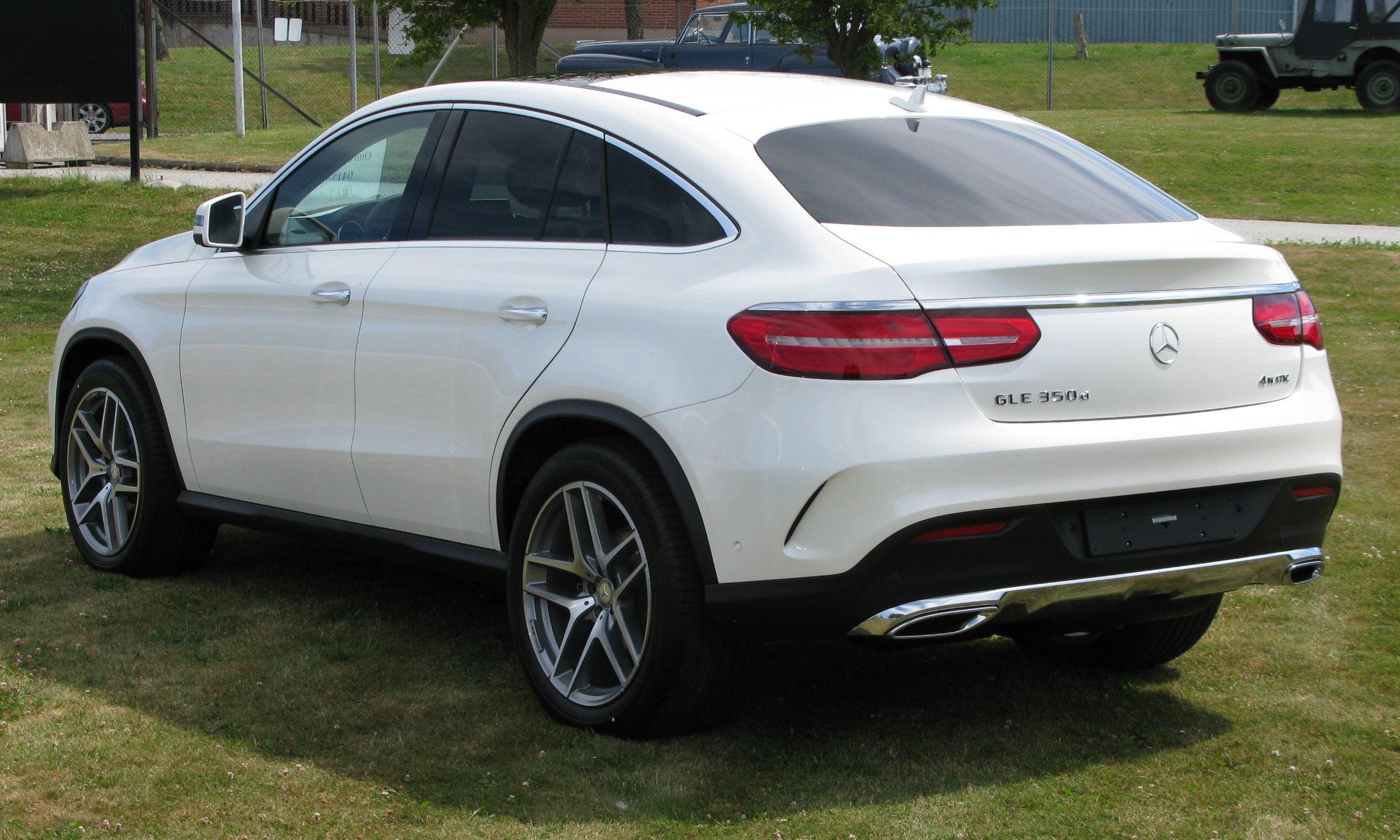 Mercedes-Benz_C292_rl